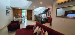 (Condominio Renassance), Belíssima Casa com 317m, 4 suítes com closet, piscina