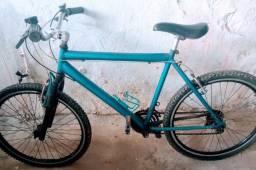 Bicicleta 18 marchas Shimano