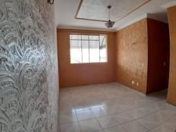 Apartamento com 3 dormitórios à venda, 70 m² por R$ 138.000,00 - Maraponga - Fortaleza/CE