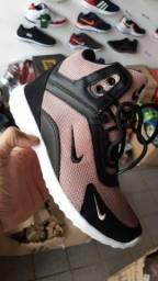 Botinha Nike 3 cores disponíveis