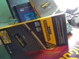 Memória Corsiar 8GB DDR4 (2x 4GB) 2400Mhz