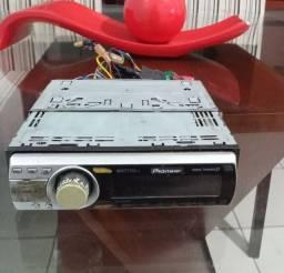 Toca cd e rádio Pioneer para carro