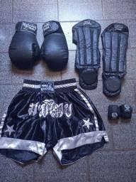 Kit de luta muay thai. Luvas
