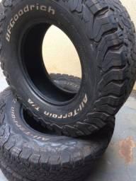 Vendo jogo de pneus BF