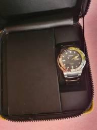 Relógio Orient Titanium com fibra de carbono