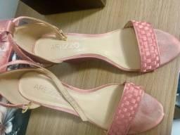 Vendo sapatos da Arezzo usados