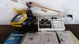 Vende-se helicoptero Mosquito Robbe gasolina com controle Futaba