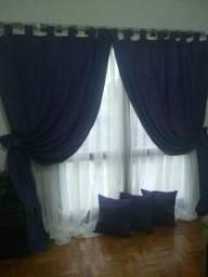 Cortina de varão em cetim, acompanha cortina de voal