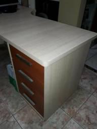 Mesa para escritório com gaveteiro toda em MDF