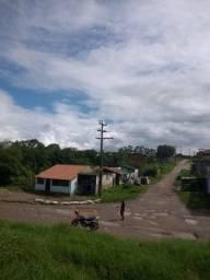 Área de terra na avenida Eduardo Fróes da Mota