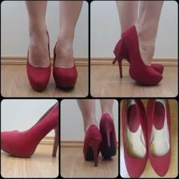 Sapato vermelho meia pata