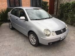 Polo Sedan 1.6 2005 15.500,
