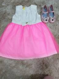 Vestido com tule rosa e sapatilha