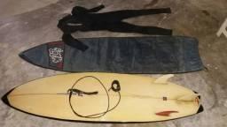 Vendo prancha de surf 6'5 com capa Lest e deck. e long jonh xl veste até 180 de altura