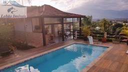 Charmosa casa em condomínio em Resende RJ