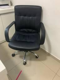 Cadeira de escritório/ estudo