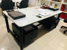 Mesa para escritório com tampo de mármore - Tok&Stok