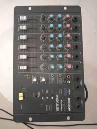 Vendo mesa de som com 6 canais