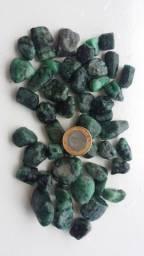 Biriba de pedra esmeralda natural para artesanato