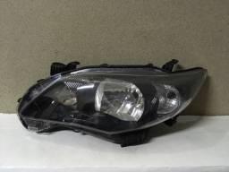 Farol Toyota Corolla máscara negra