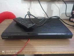 !! PREÇO NEGOCIÁVEL !! DVD player Sony Original com cabo AV e controle Original.