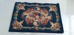 Tapete turco importado com etiqueta,  tem 60cm por 90 cm de comprimento .