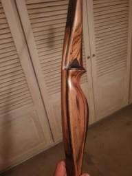 Arco e flecha tradicional Custom Made Americano.