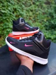 Basqueteira Nike Academica