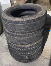 Vendo 4 pneus 245/70 r16
