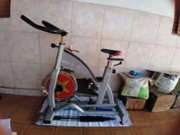 Bicleta ergometrica profissonal do professor