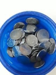 Vendo 50 moedas antigas, colecionáveis.