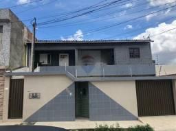 Casa térrea + 2 apartamentos