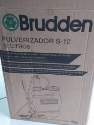 Pulverizador de 12 litros.