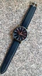 Relógio Quartz  (é grande)