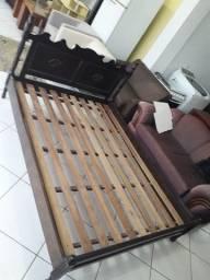 Vendo cama de casal de Madeira