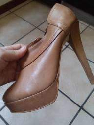 Sapato de Couro - salto Bottero.