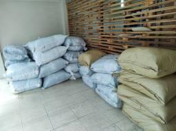 Fornecemos fardos de roupas usadas para brechó ou bazar roupas de boa qualidade