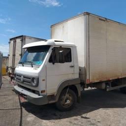 Título do anúncio: Caminhão 8150 delivery 2005/6