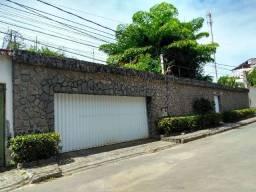 Casa espetacular para aluguel em condomínio fechado na Federação