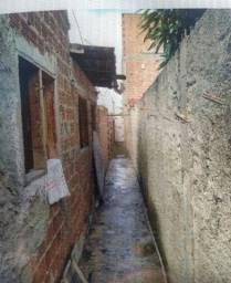 Vendo casa ou troco no bairro Luiz Gonzaga