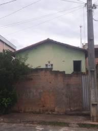Casa com lote de 200m²  no bairro Santa Cruz em Nova Serrana