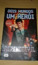 Livro - Dois Mundos Um Herói- rezendeevil