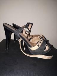 Vendo sandália salto agulha usada