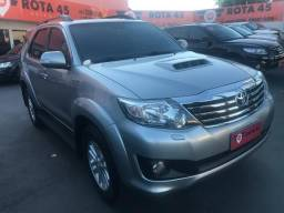Toyota hilux SW4 3.0 7 lugares 2014/2015 - 2015