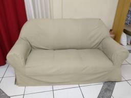 Sofá de 2 lugares com capa