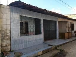 Oportunidade, Só R$ 60.000 de entrada Casa 2/4 a 200 mts do Shopping Metrópole