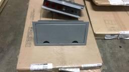 Caixa de tomada para embutir em mesa