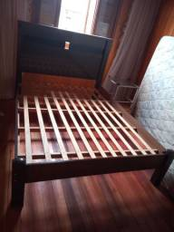 Cama de casal madeira+ colchão.