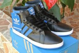 Adidas cano alto preto com azul