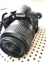 Vendo Nikon D3200, acompanha carregador
